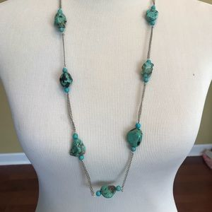 NWT GORGEOUS NECKLACE/EARRING SET